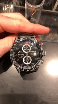 round silver-colored chronograph watch with black leather strap Montréal, H2M