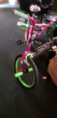Small bmx sport bike w/ pegs Temple Hills, 20748