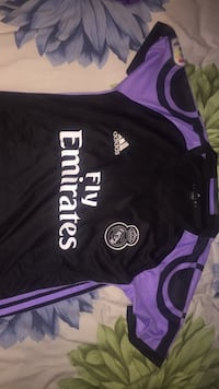 Bale soccer jersey size small Calgary, T3R 0M4