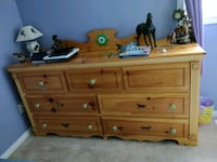 Beautiful Dresser Wasaga Beach, L9Z 1X7