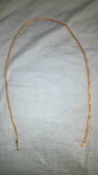gold chain-link necklace Lake Country, V4V 2T3