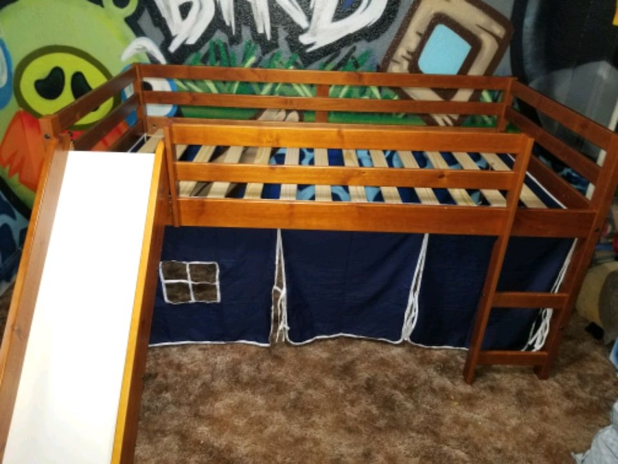 Photo Bunk bed with slide