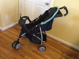GRACO BABY CAR SEAT AND STROLLER