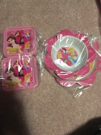 Disney princess plates and lunch box set  Toronto, M1B 1G5