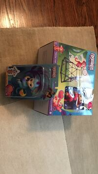 Fingerlings Baby Monkey toy boxes