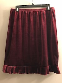 Plus 1X encore ruby red velvet skirt with ruffle &size 2X matching top Edmonton, T6L 6P5