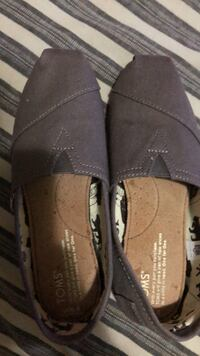 Shoes TOMS 5.5 Burnaby, V3N 0A8