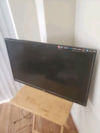 32 inch LED TV moving sale