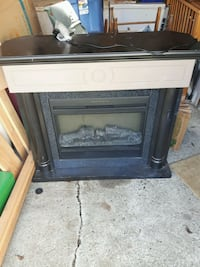 Electric fireplace  Duncan, V9L 1S1