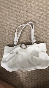 white leather 2-way handbag Milton, L9T 2Z2