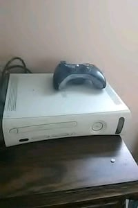 white Xbox console and wireless controller Margate, 33063