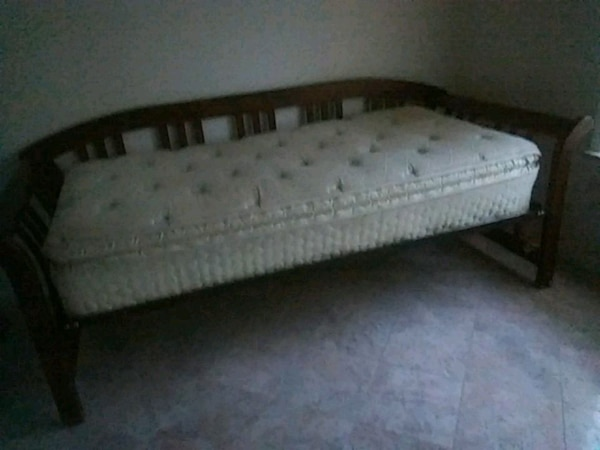 quilted white mattress