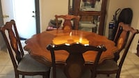 Dining room table/chairs with showcase glass wooden cabinet  London, N6E 2W4