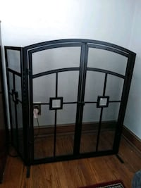Fireplace screen with two wings front two doors and have for big Cryst