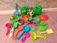 Assorted Sand & Water Toys Kansas City, 64155