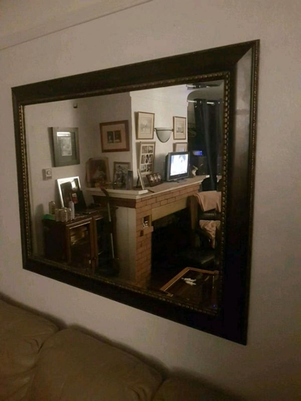 rectangular brown wooden framed mirror 02f45470-ad8f-4dc9-ab20-759561a2d8ee