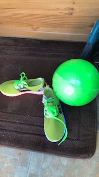 kids size 2 light up shoes and soccer ball  Kelowna, V1Z