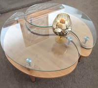 round clear glass top table with brown wooden base Palmdale, 93551