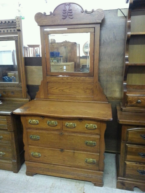 Antique Oak Dresser With Carved Mirror Image Of Lion And Antique