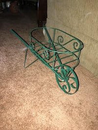Wheel barrel planter  116 mi