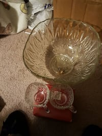 clear cut glass punch bowl set Maple Shade Township, 08052