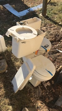 Two toilets, working condition. Free Norwood, 65717