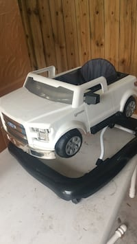 Baby walker FORD F1 50 good condition New Orleans, 70123