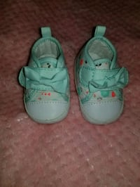 pair of teal Nike velcro shoes Silver Spring, 20902