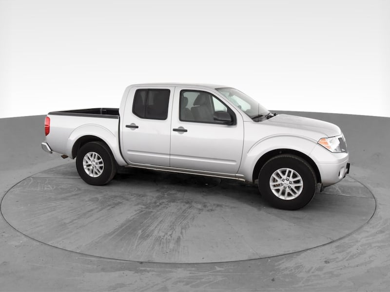 2019 Nissan Frontier Crew Cab pickup SV Pickup 4D 5 ft Silver <br 53a72317-8347-47b8-8310-ca68988b752f