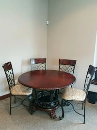 table Coon Rapids, 55433