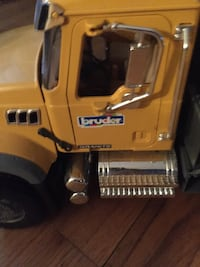 Bruder toy crane !! Made in Germany like New extends 3 feet