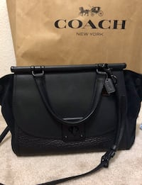******LIKE NEW AUTHENTIC COACH BAG PAID $700 YOURS TODAY FOR $200!***** Fresno, 93726