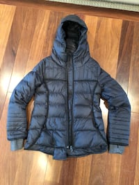 Iviva athletica girls coat. Size 10 perfectly suited for fall and winter weather 3155 km