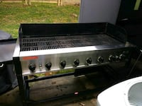 Duel tank open stainless steel and black gas grill Gaithersburg, 20877