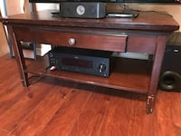 Brown wooden coffee table Tampa, 33609