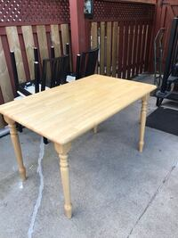 Kitchen table, 4Ft by 2 1/2 ft Toronto, M6E 4P6