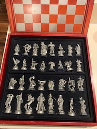 Fantasy of the crystal chess set Glen Cove, 11542