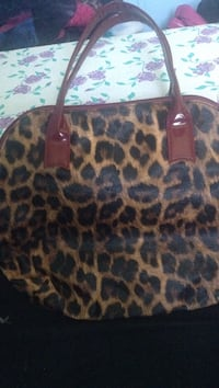 brown and black leopard print leather tote bag Red Deer, T4P