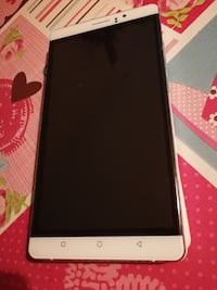 smartphone androide blanco