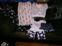 Girls pajamas size 5t Federal Way, 98003