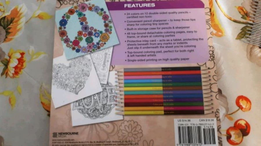 Coloring book with coloring pencils and sharpener 090759b4-be68-433e-a4b1-0457f963bea7