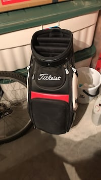 black and gray golf bag Grande Prairie, T8X 0M3