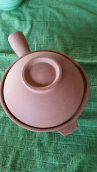 brown clay cooking pot Portland, 97224