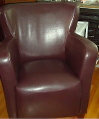 brown leather padded sofa chair Montréal, H1T 1R5