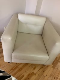 Beige leather sofa in very good condition  Vaughan, L4L 1H8