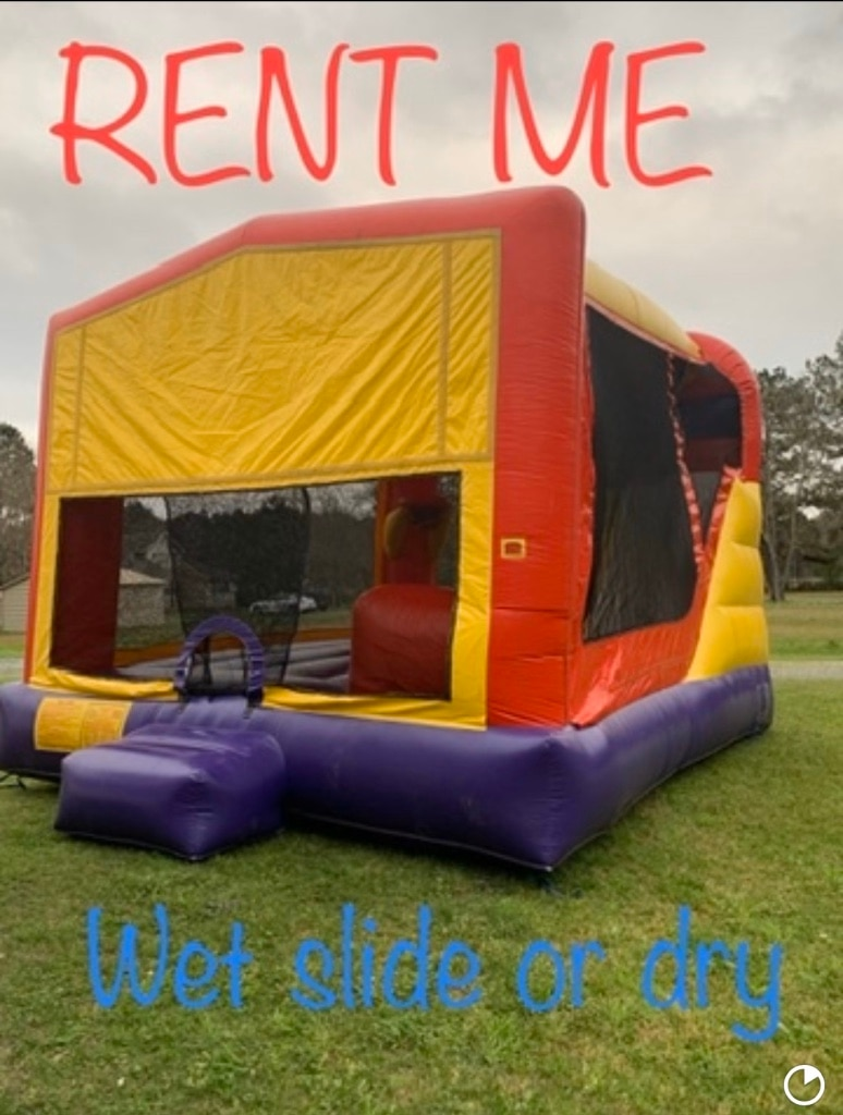 Photo Bounce house with slide
