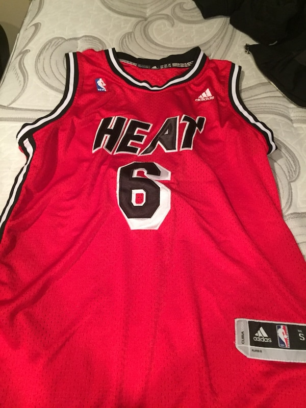 new style 05dfb 2d5af LeBron James Miami Heat Jersey