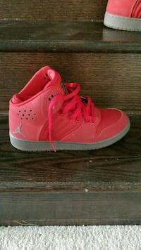 pair of red Air Jordan basketball shoes Brampton, L7A 0G2
