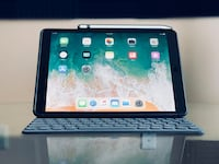 iPad Pro 10.5 inch - 2017 Version - Includes Apple Pencil and Smart Keyboard Gainesville, 32603