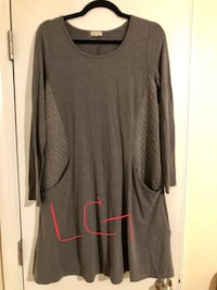 gray scoop-neck long-sleeved shirt Midlothian, 23112